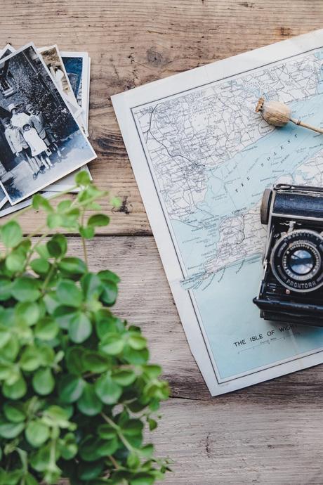 appareil photo noir carte monde organisation destination blog déco