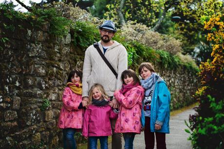 Dans les petits chemins de Port Blanc en Bretagne