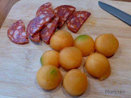 Brochettes de gambas, melon et chorizo