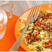 Salade de Choux Frisés, Râpé de Carottes Violettes,Noix et Graines de Sésame