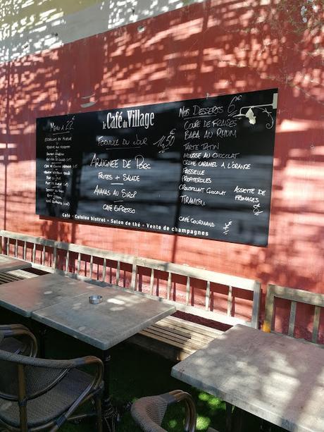 Le Café du Villa ge - 84 800 L'Isle sur la Sorgue