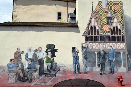 Fresque de la Grande Vadrouille à Beaune © French Moments
