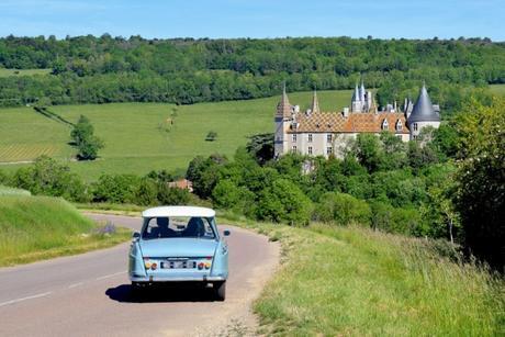 Le château de la Rochepot © French Moments