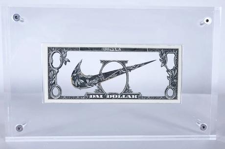 Dai Dai Tran s'oppose à la société de consommation à l'aide d'œuvres réalisées en billets d'un dollar