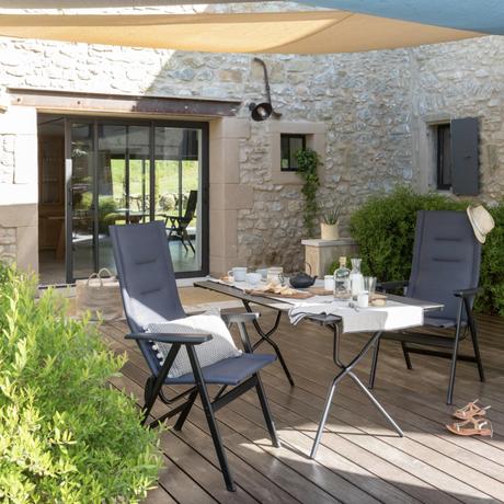 Fauteuil zen it couleur noir terrasse extérieure tendance mobilier confort - blog déco - clemaroundthecorner