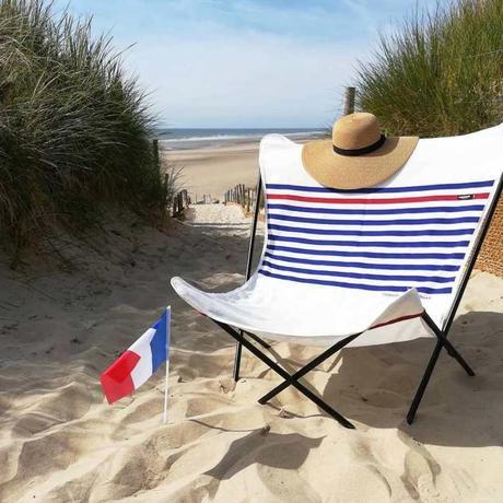 Fauteuil design pop up xl couleur marinière bleu blanc rouge plage drapeau France Made in France - blog déco - clemaroundthecorner