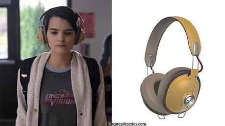 TRINKETS : Elodie 's headphones