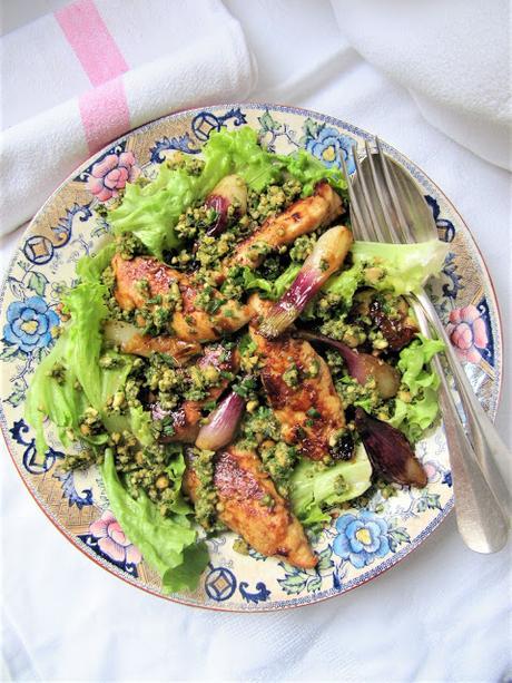 Salade de poulet aux oignons nouveaux