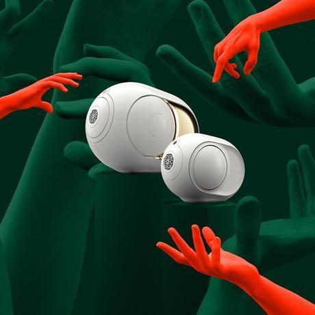 mini devialet nouveaute set design vert rouge main