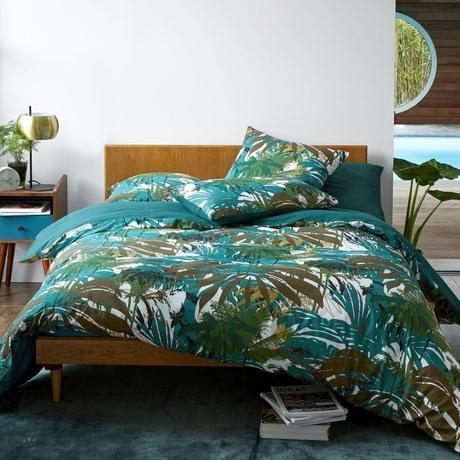 couette verte tropicale esprit urban jungle chic tête de lit bois blog déco été