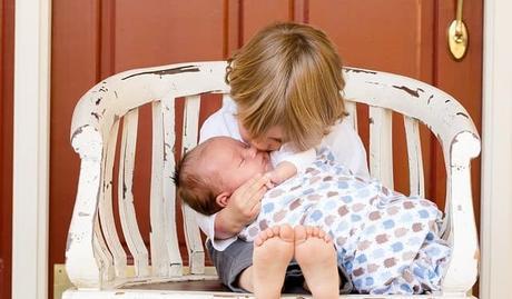 Quel bijou offrir à une future mère ?