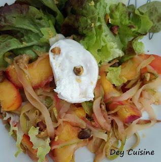 Courgette, nectarine & burrata en salade