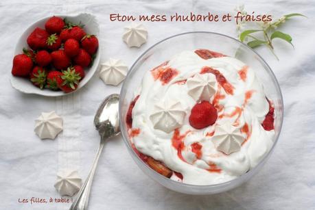 Eton mess fraises et rhubarbe confite