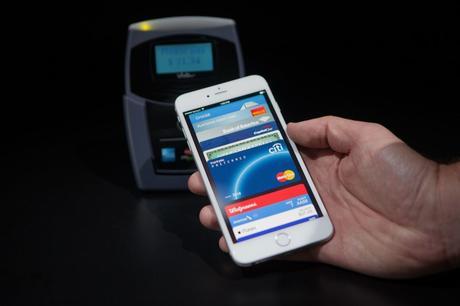 En France, le paiement avec son smartphone représente moins de 1% des transactions sans contact