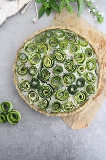 Cuillère et saladier : Tarte fleur courgette-basilic