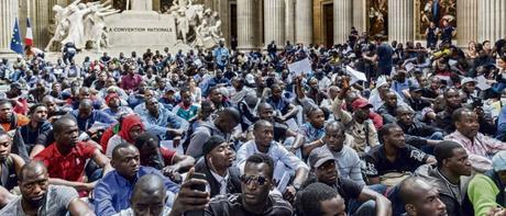 #GiletsNoirs et #violencespoliceres au Panthéon de notre mémoire collective… (en négatif)