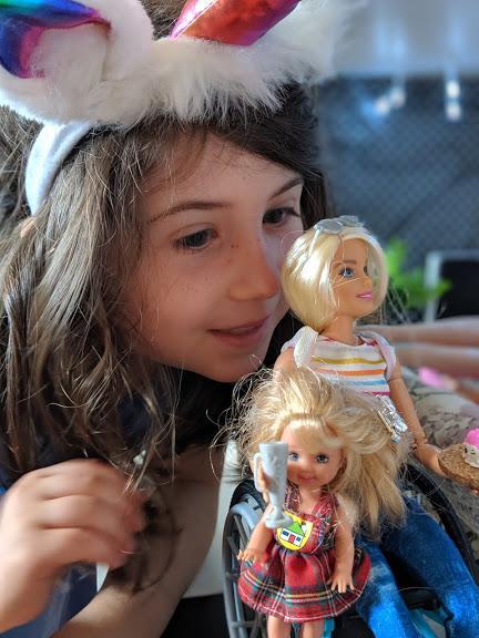 Une Barbie en fauteuil roulant : célébrons la diversité