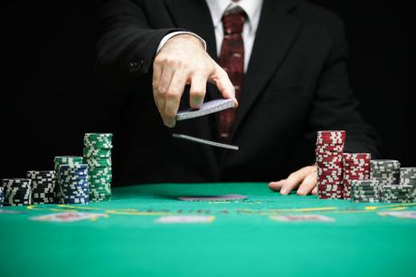 Make Earnings With Trusted Online Poker Site Agent A Voir