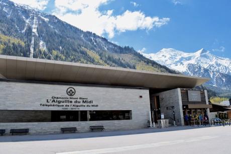 La gare aval du téléphérique de l'Aiguille du Midi à Chamonix © French Moments