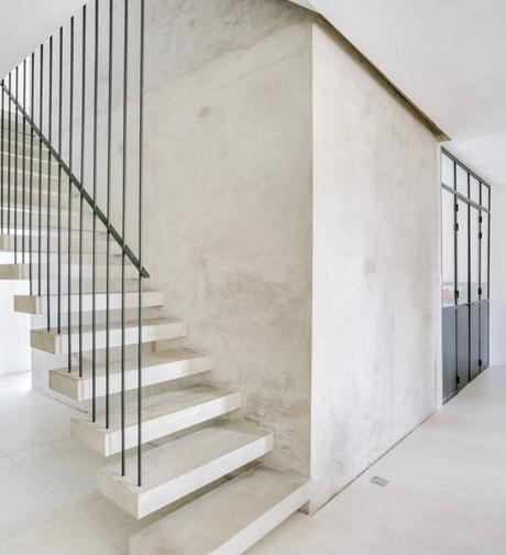 escalier béton suspendu corde metal noir déco design tendance - blog déco - clemaroundthecorner