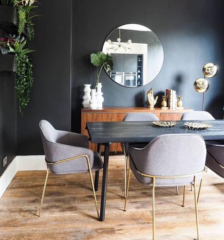 salle à manger séjour mur peinture noir déco doré style