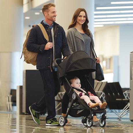 city tour babyjogger poussette enfant noire tendance idéale pour voyager clemaroundthecorner