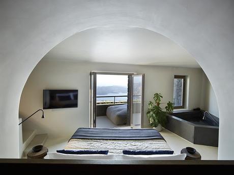Santorin / Un hôtel de 3 chambres avec vue sur la mer Egée /