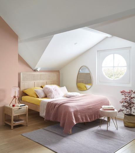 chambre vieux rose jaune moutarde tête de lit cannage - blog decoration clemaroundthecorner