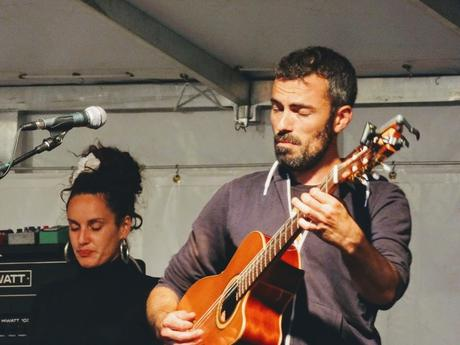 French Song Del Mundo et Manivel' Swing lors du Vendredi de l'été, Jardin de la Passerelle, Pontrieux, le 9 août 2019