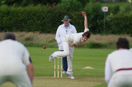 Jouer au cricket, s'amuser et pratiquer un sport passionnant
