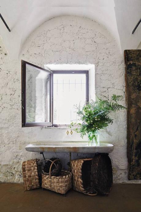 style toscan lavabo salle de bain vieille maison - blog déco - clem around the corner
