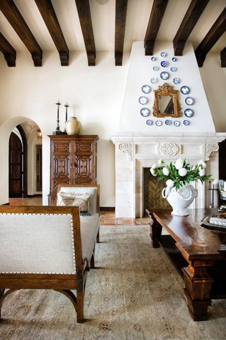 style toscan cheminée poutres en bois décoration vintage - blog déco - clem around the corner