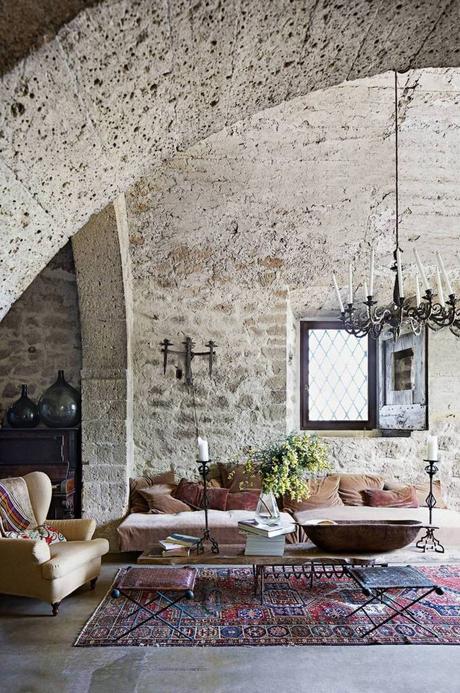 style toscan couvent italie rénovation pierre salon originale - blog déco - clem around the corner