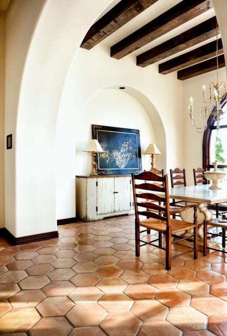 style toscan maison italie carrelage terracotta poutres en bois - blog déco - clem around the corner