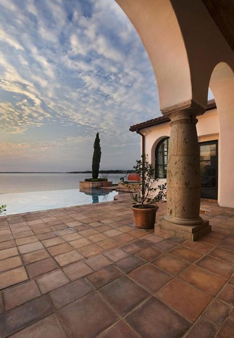 style toscan vue piscine mer italie - blog déco - clem around the corner