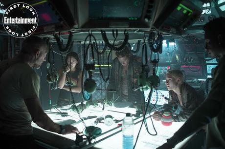 Premières images officielles pour Underwater de William Eubank
