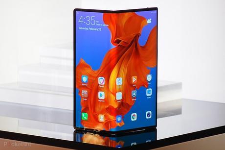 Huawei repousse une nouvelle fois la sortie de son smartphone pliable