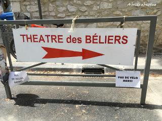 Avignon, c'est aussi l'endroit où voir des reprises ... par exemple au Théâtre des Béliers