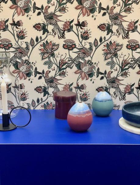bougie chandelle bougeoir vase forme oeuf ovale papier peint fleurie rétro tendance - blog déco - clematc