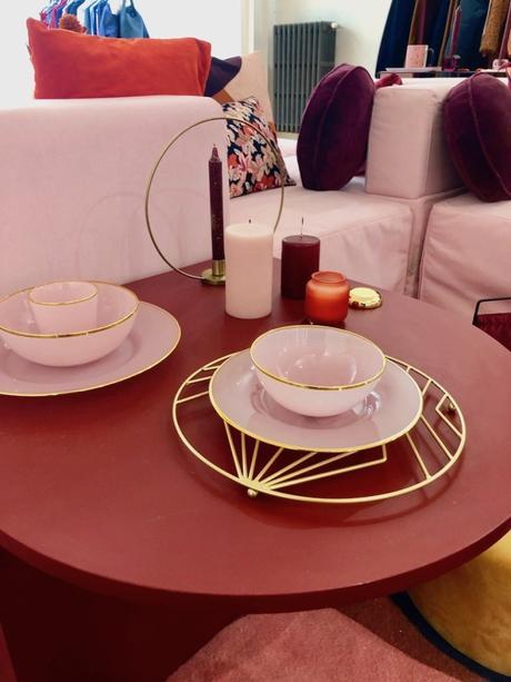 dessous de plat or doré table rose assiette pink vaisselle monoprix - blog déco - clemaroundthecorner