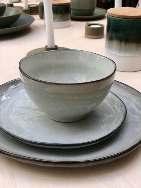 vaisselle monoprix collection couleur vert de gristable bois bol assiette clematc