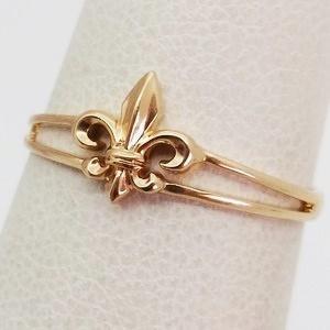 alliance femme fleur de lys en or 18 carats