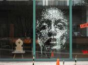 Simon Berger, l'artiste brise verre pour portraits