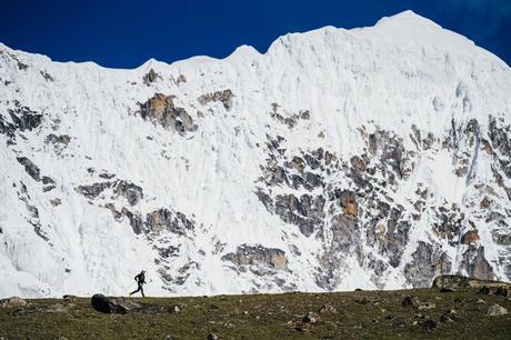 Andrzej Bargiel se lance à l'assaut de l'Everest