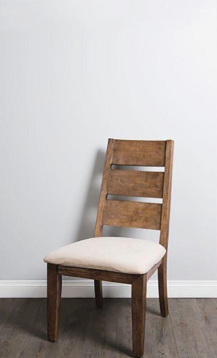 DIY chaise bois coussin blanc salon - blog déco - clem around the corner