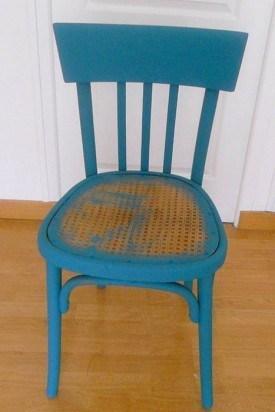 DIY chaise bois peinture bleu - blog déco - clem around the corner
