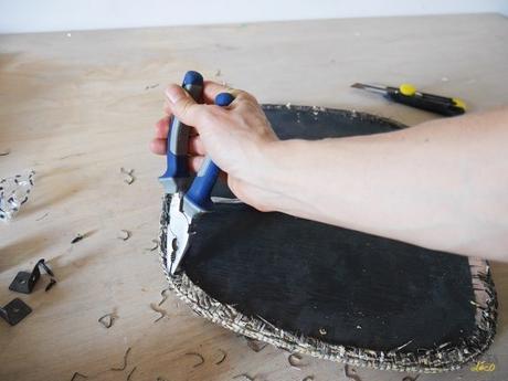 DIY chaise bois pince bricolage noir - blog déco - clem around the corner