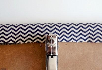 DIY chaise agrafe tissus noir blanc - blog déco - clem around the corner