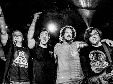 #Musique - Le groupe pop-punk Seven Fly révèle son single, Fever !