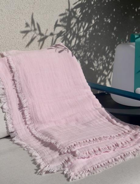 plaid coton lin lavé extérieur terrasse canapé design rose - blog décoration - clematc